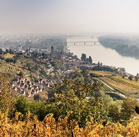 00000100456_Blick-auf-Krems-und-die-Donau_Donau-Niederoesterreich_Robert-Herbst